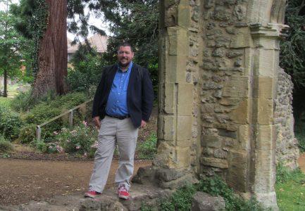 Curator Tim